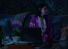 Красотка Юлия Такшина случайно засветила грудь в сериале «Не родись красивой» фото #25