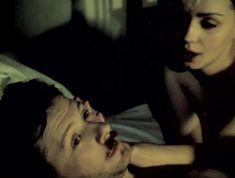 Александра Колкунова засветила грудь в фильме «Неизвестные страницы из жизни разведчика» фото #4