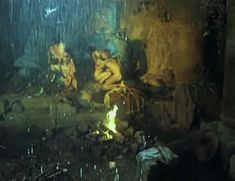 Полностью обнажённая Евдокия Германова в фильме «Новые приключения янки при дворе короля Артура» фото #6