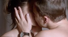 Полностью голая Анна Чиповская в фильме «О любви» фото #71