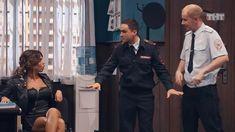 Карина Зверева засветила трусики в сериале «Однажды в России» фото #1