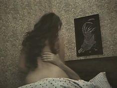 Голая попа Елены Романовой в фильме «Опасная женщина» фото #2