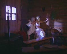 Голые сиськи Любви Тихомировой в фильме «Особенности банной политики, или Баня 2» фото #44