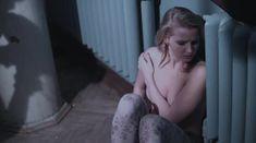Софья Лебедева засветила грудь в фильме «Параллельные прямые пересекаются в бесконечности» фото #3