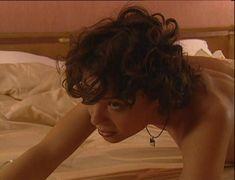 Юлия Рудина оголила попу в сериале «По имени Барон» фото #23