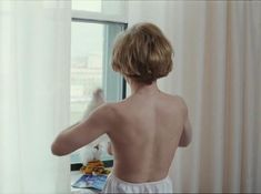 Татьяна Догилева засветила грудь в фильме «Привет, дуралеи!» фото #3