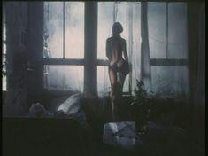 Полностью голая Елена Захарова в фильме «Приют комедиантов» фото #5