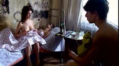 Сочная голая грудь Анны Старшенбаум в фильме «Продается детектор лжи» фото #7