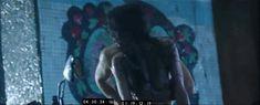 Паулина Андреева оголила грудь и попу в фильме «Саранча» фото #90