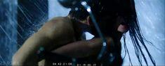 Паулина Андреева оголила грудь и попу в фильме «Саранча» фото #99