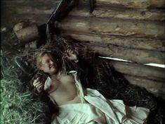 Голая грудь Натальи Андрейченко в фильме «Сибириада» фото #3