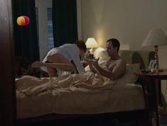 Соблазнительная Дарья Повереннова засветила трусики в сериале «Слабости сильной женщины» фото #5