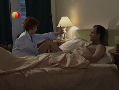 Соблазнительная Дарья Повереннова засветила трусики в сериале «Слабости сильной женщины» фото #12