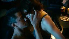 Мария Пирогова показала голую грудь в сериале «Тёмный мир: Равновесие» фото #1