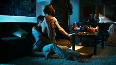 Мария Пирогова показала голую грудь в сериале «Тёмный мир: Равновесие» фото #14