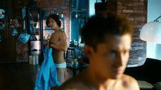 Мария Пирогова показала голую грудь в сериале «Тёмный мир: Равновесие» фото #20