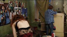 Екатерина Смирнова засветила сиськи в сериале «Тройная жизнь» фото #2
