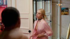 Красотка Анастасия Акатова засветила грудь в сериале «Физрук» фото #5