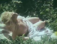 Голая грудь Натальи Егоровой в фильме «Хочу сделать признание» фото #14