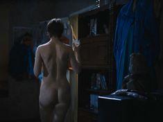 Полностью голая Ольга Тумайкина в фильме «Яды, или Всемирная история отравлений» фото #11
