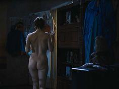 Полностью голая Ольга Тумайкина в фильме «Яды, или Всемирная история отравлений» фото #12