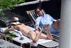 Сладкая попка Марии Шараповой в бикини на отдыхе в Италии фото #1