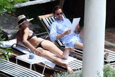 Сладкая попка Марии Шараповой в бикини на отдыхе в Италии фото #6