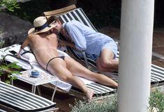 Сладкая попка Марии Шараповой в бикини на отдыхе в Италии фото #19