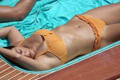 Аппетитная попка Кортни Кардашян в сексуальном бикини на лодочной прогулке в Италии фото #6