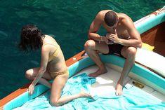 Аппетитная попка Кортни Кардашян в сексуальном бикини на лодочной прогулке в Италии фото #11