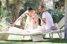 Красотка Мелани Браун топлесс в Калифорнии фото #18