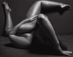 Безумно сексуальная Эшли Грэхэм снялась обнажённой в журнале V фото #4