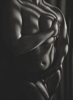 Безумно сексуальная Эшли Грэхэм снялась обнажённой в журнале V фото #10