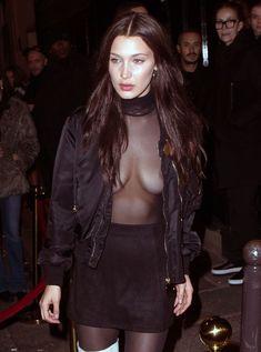 Красавица Белла Хадид засветила грудь сквозь прозрачный наряд в Париже фото #4