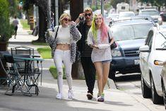 Возбуждающие сосочки Беллы Торн в эротическом наряде в Северном Голливуде фото #6