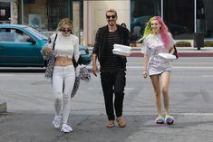 Возбуждающие сосочки Беллы Торн в эротическом наряде в Северном Голливуде фото #14
