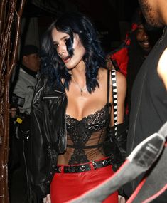 Красивая грудь Беллы Торн в сексуальном корсете на Rae Sremmurd's Birthday Party фото #1