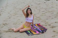 Красотка Бланка Бланко засветила грудь сквозь прозрачный топ на пляже фото #12