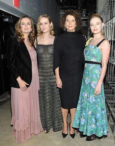 Восхитительная  Бри Ларсон засветила грудь в прозрачном платье на мероприятии фото #3