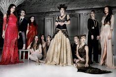 Красотка Камила Мендес засветила грудь в прозрачной блузке на фотосессии фото #6