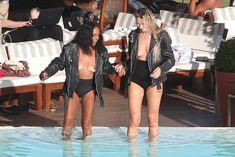 Заманчивая Кэндис Свейнпол топлесс в бассейне в Рио-де-Жанейро фото #1