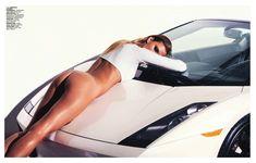 Красотка Констанс Яблонски оголила грудь и попу в журнале Lui фото #10