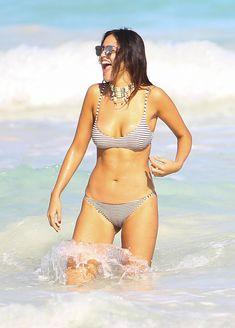 Сексуальна Эйса Гонсалес в бикини на пляже в Мексике фото #6