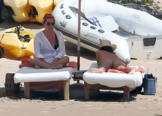 Шикарное бикини Эмили Ратаковски на пляже в Мексике фото #7