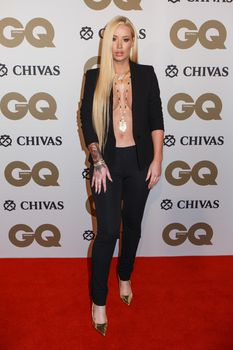 Заманчивая Игги Азалия без лифчика на The GQ Men of The Year Awards фото #3