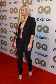 Заманчивая Игги Азалия без лифчика на The GQ Men of The Year Awards фото #4