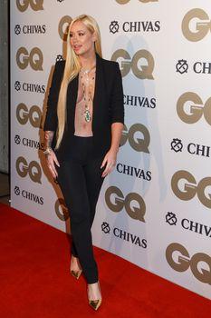 Заманчивая Игги Азалия без лифчика на The GQ Men of The Year Awards фото #5