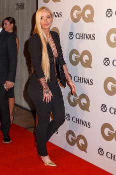 Заманчивая Игги Азалия без лифчика на The GQ Men of The Year Awards фото #8