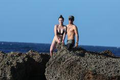 Красотка Айрленд Болдуин в прозрачном наряде на Гавайах фото #18