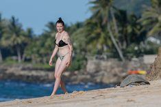 Красотка Айрленд Болдуин в прозрачном наряде на Гавайах фото #19